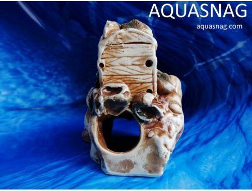 Фото Сундук малый на камне,  дл 10.5см, шир 12см, выс 14.5см Смотреть