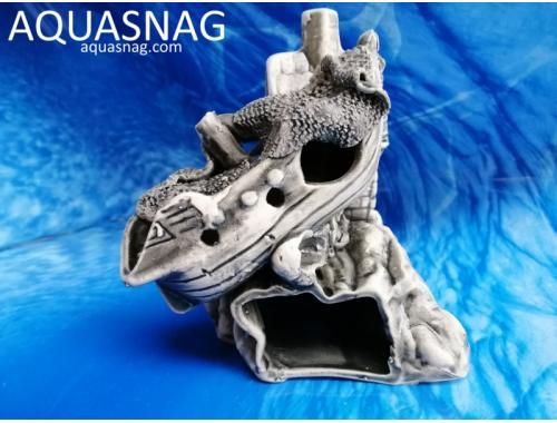 Фото Домик с корабликом на скале,  дл 11см, шир 15см, выс 16см, серый aquasnag.com