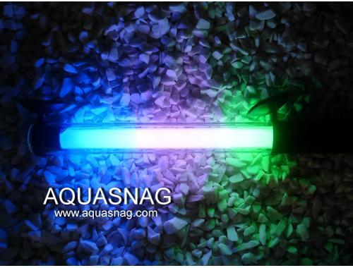 Фото Подводная лампа 60см трехцветная aquasnag.com